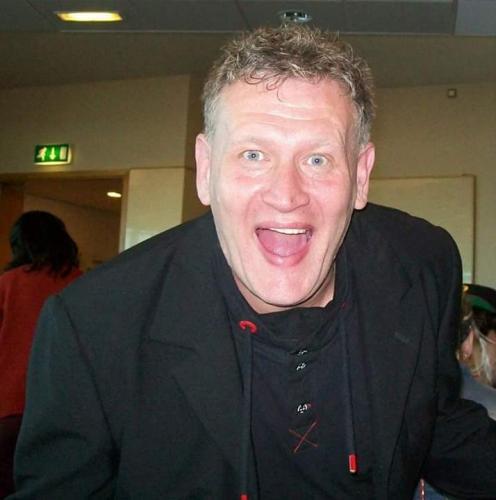 Ian Presenter